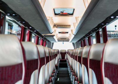 Autocar tout confort (climatisation, tv...)