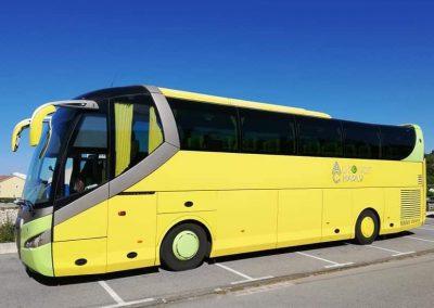 autobus jaune Charly voyages entre Nîmes et Alès